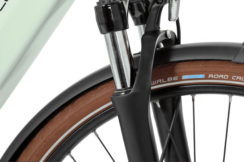vélo électrique tout chemin fourche à suspension